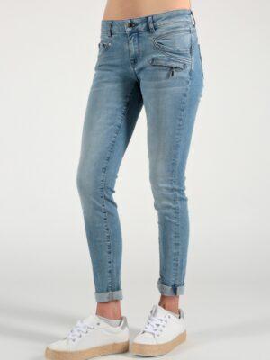 Suzy Skinny Fit SP21-2012